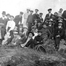 Chinese Sunday School Picnic, organized by a local Chinese Canadian church, Victoria, BC, ca. 1907.